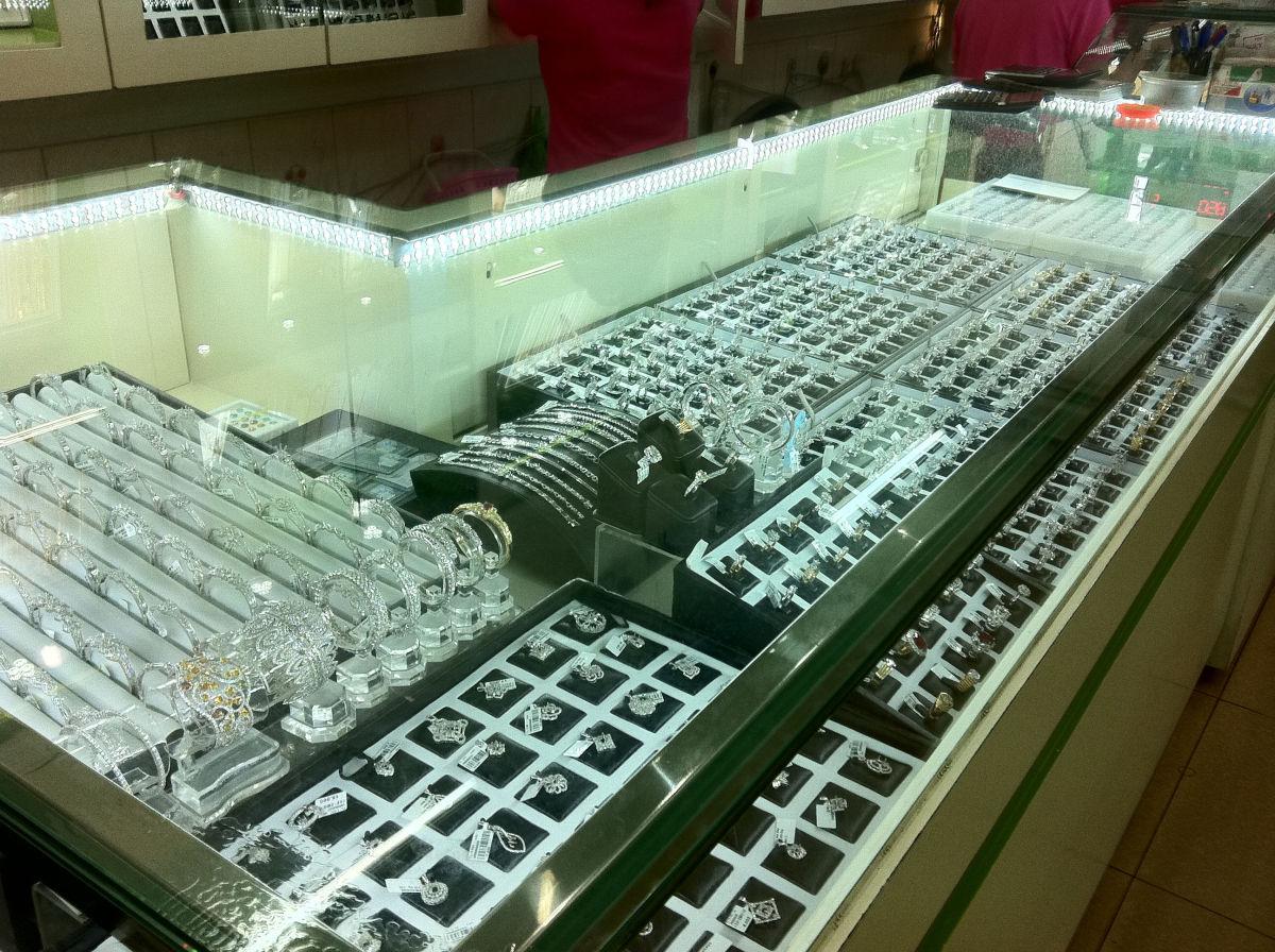 đèn tủ kính quầy hàng